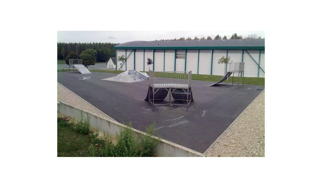 skatepark de saint germain du puy 18. Black Bedroom Furniture Sets. Home Design Ideas