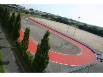 Piste de vitesse et skatepark