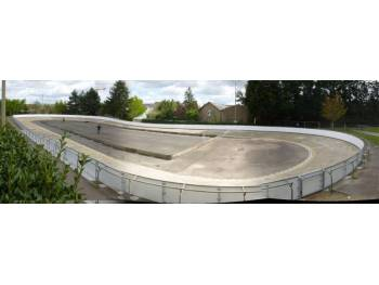Anneau de vitesse et terrain de rink-hockey de la Durantière à Nantes