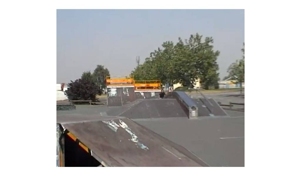 skatepark de villefranche sur sa ne 69. Black Bedroom Furniture Sets. Home Design Ideas