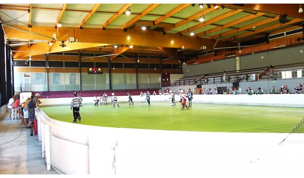 Salle de roller hockey et de rink hockey de saint paul for Saint paul trois chateaux piscine