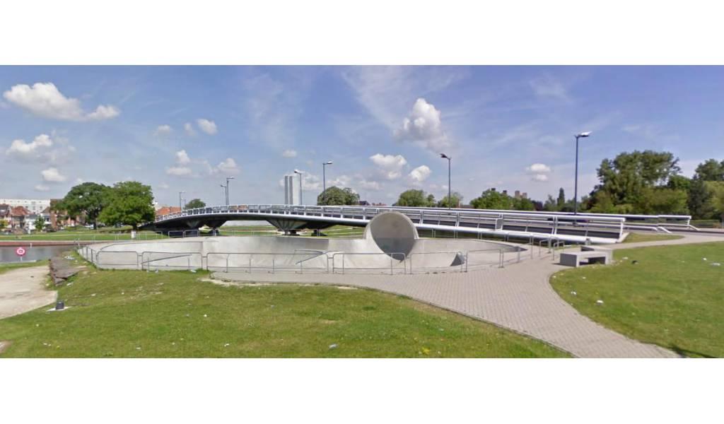 Skatepark bowl de courtrai belgique for Courtrai belgium