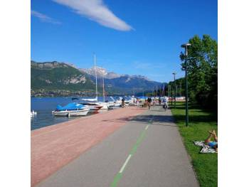 Piste d'Annecy à Ugine (photo : RollX)