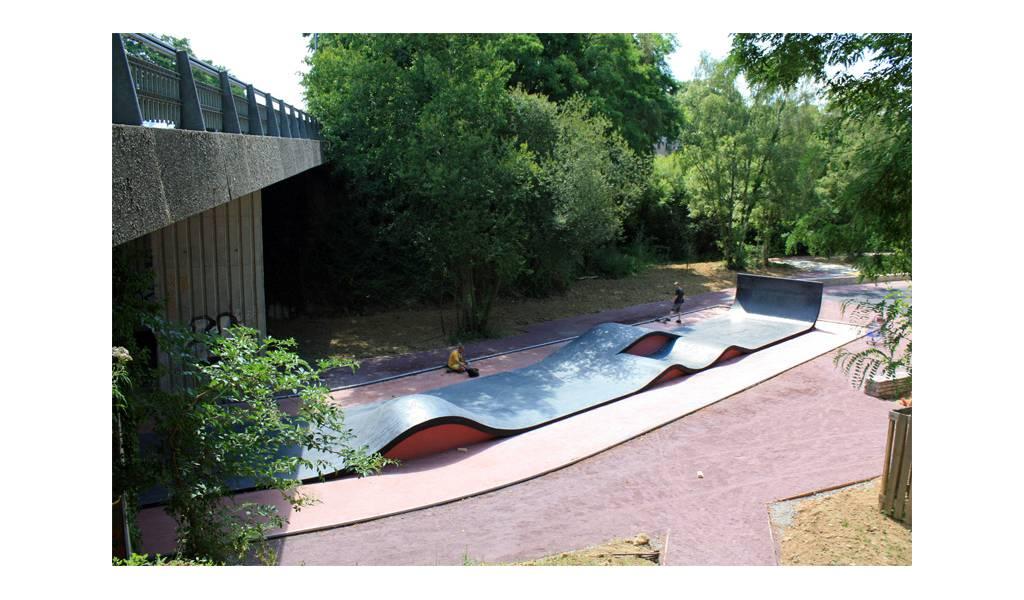 skatepark de rennes la courrouze 35. Black Bedroom Furniture Sets. Home Design Ideas