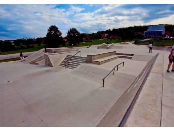 Reid Menzer Memorial Skatepark de York