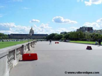 Esplanade des Invalides à Paris