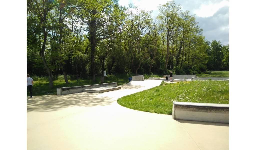 Spot  le skatepark de BoisleRoi (77)