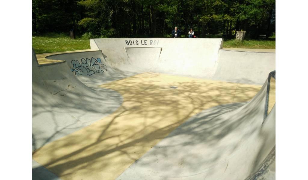 Spot  le skatepark de BoisleRoi (77) ~ Skatepark Bois Le Roi