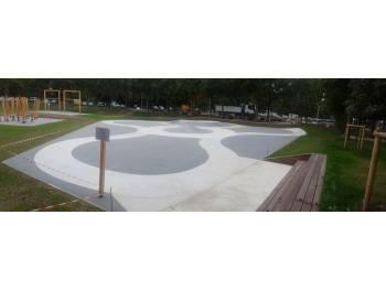 Aire de glisse pour enfant du parc du Jard