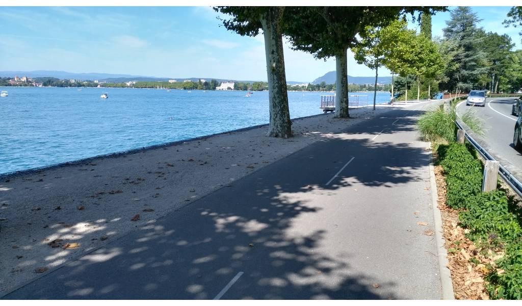 Piste Cyclable Du Lac D Annecy 74