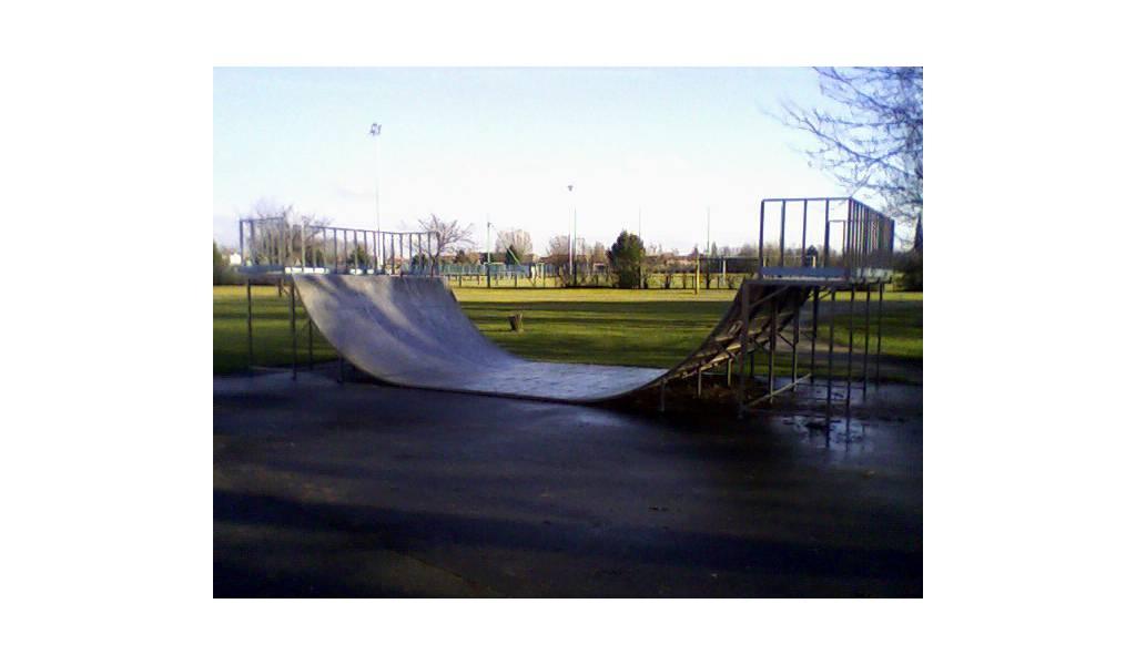 Skatepark de la chapelle d 39 armenti res for Garage la chapelle d armentieres